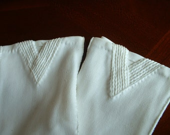 Vintage White Cotton Hand Sewn ladies Gloves by Finger Free Van Raalt 420 Q7uality Cotton in Phillipines Size 6