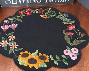 "HAND STITCHED Primitive Folk Art Wool Applique Mat - ""Garden Blooms"" - FREE Shipping"