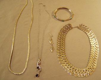 Vintage Lot Silver Tone Pierced Earrings Embossed Hinged Bracelet 3 Necklaces Choker Pendant & Chain 8565