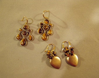 2 Pairs Vintage Yellow Gold Plated & Tigers Eye Stone Drop Dangle Pierced Earrings  8746