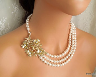 Pearl Necklace Wedding Pearl Necklace Ivory swarovski Pearls Vintage Brooch Statement Bridal Necklace Pearl Rhinestone Necklace MARIETTE