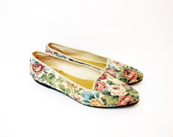 Size 6 6.5 Florew Floral LOAFERS Flats Moccasins Vintage Shoes Needlepoint style