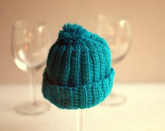 Blue ribbed babyhat