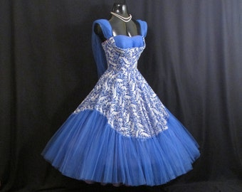 Vintage 1950's 50s STRAPLESS Bombshell Embroidered Blue White Metallic Silver Chiffon Tulle Lace Party Prom WEDDING Dress Gown