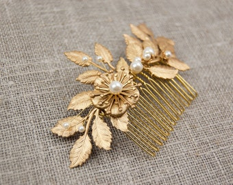 Flower and leaf hair comb - Gold wedding hairpiece -Grecian hair piece - Gold leaf comb - Gold leaf headpiece - Gold comb - Bridal comb
