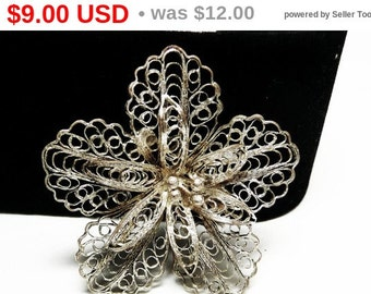 Silver Filigree Flower Brooch - Daisy Style Flower Pin - 1950's - 1960's Era Vintage Jewelry