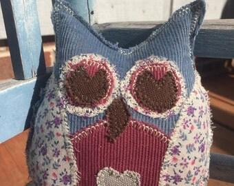 Lil' owl - blue body gray heart