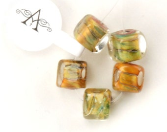 Unicorne Glass Mustard Yellow Cube Bead (U22)