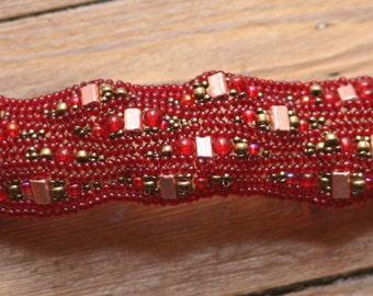 Curvalicious Herringbone Bracelet Tutorial