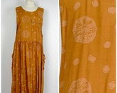 long gold drop waist loose fitting dress 80s 90s vintage sleeveless boxy jumper dress with pockets Forenza medium large 42 bust