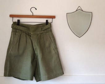 army shorts - vintage - medium