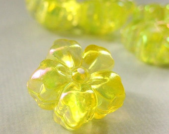 Three (3) Yellow Flower Buttons in Plastic. 18mm