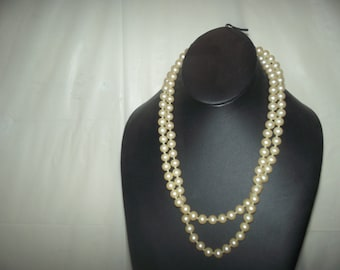 Vintage women pearls