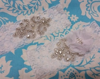white Wedding Garter set  , stretch lace garter, crystal, rhinestone, white chiffon flower with beads nad crystals, white pearl