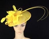 Yellow Fascinator, Womens Tea Party Hat, Church Hat, Derby Hat, Fancy Hat, Champagne Gold Hat, Tea Party Hat, wedding hat