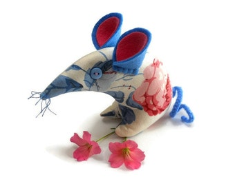 Country  Mouse in Vintage style fabric , Roses in  Pink, Red and Blue tones
