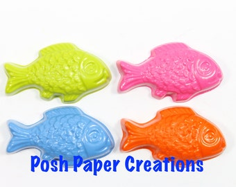 5 sets of 2 fish crayons - in cello bag tied with ribbon - choose your colors
