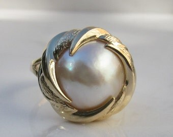 Estate 14k Solid Yellow Gold and Cultured Mabe Pearl Ring, Size 7
