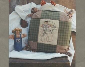 "Rag Bag Creations ""Keeper of the Pumpkin Patch"" Primitive Stitchery Pattern"