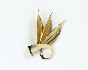 VINTAGE Feather Brooch Gold Metal Jewelry