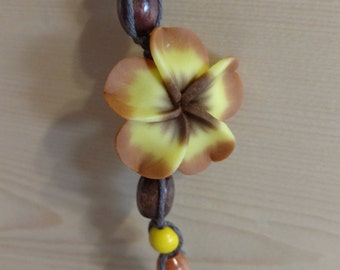 Brown/yellow flower hemp necklace