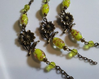 4 Sectional Brass Daisy Connector Chains with Vintage 8 x 12 mm Gold Foiled Oval Opaque Citrus Glass and 6 mm Faceted Round Beads
