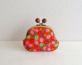 Retro floral coin purse with wooden balls. Red. Handmade in Japan. Ready to ship - frame purse