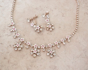 Rhinestone Flower Set Necklace Earrings Pink Clear White Adjustable Vintage E0091