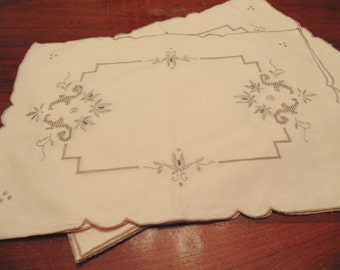Vintage Madeira Place mats,  Set of Six, Light Ecru with Taupe Stitching