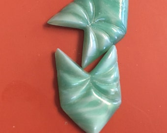 BWB Striking and Sharp Vintage Satin Glass Green Arrow Cabochon Puzzle Stone 22x15mm  (1pc)