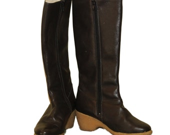 1970s Womans Black Wedge Boots Size 6 1/2""