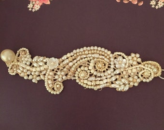 Pearl wedding cuff bracelet,bridal statement bracelet, ivory pearl bracelet cuff, bead embroidery bracelet pearl beaded Lace Cuff Bracelet