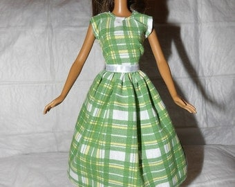 Green & white plaid full dress for Fashion Dolls - ed890