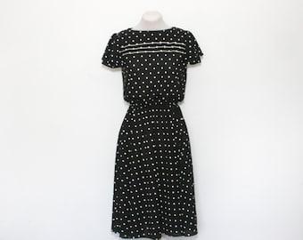 SALE - vintage polka dot dress | medium day dress