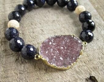 Druzy Bracelet, Beaded Stretch Bracelet, Druzy Stretch Bracelet, Raw Stone Bracelet, Druzy Jewelry, Blue Sandstone Bracelet