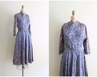 delicate floral print 1950s dress - dusty purple & lavender dress / 50s taffeta acetate dress - swishy dress / full skirt dress with belt