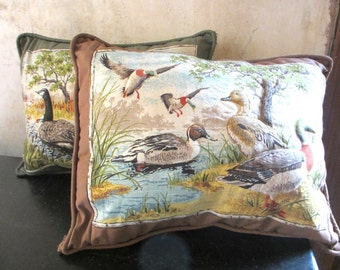 Vintage pair of quilted duck geese waterfowl throw pillows / zip up / hunter nature decor / green brown