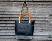 Leather tote bag / shoulderbag made from oiled leather and vegetable tanned leather handles