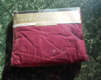 Cranberry Single Fittted Sheet By Lady Pepperell, New Packaged, Old Stock