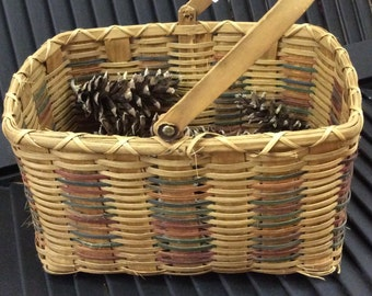 Vintage Country Farm Woven Rectangular Basket with Wood Handle / American Folk / Hand Painted Colored Accents / Eggs, Flowers, Yarn, Easter