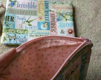 Zipper pouch pink floral
