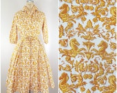 Vintage 1950s Shirtwaist Dress / Gold and White Crisp Cotton Dress / Horse Head Knight / Small Medium