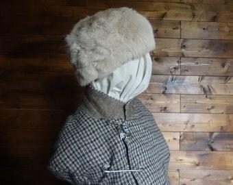 Vintage English natural light beige cream rabbit fur hat woman ladies unisex size m s circa 1940-50's / English Shop