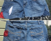 Upcycled jorts 'American Beauty', cut-off denim shorts, recycled jeans, hippie, boho, gypsy, Grateful Dead, rose embroidery, OOAK