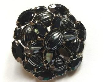 Black rhinestone circular brooch VJSE