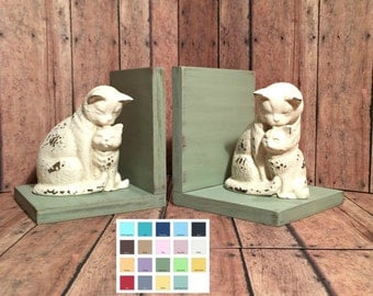 Mother and Kitten//Cats Figurines Set of Bookends//Available in a Variety of Colors//Cat Book Ends//Farmhouse//Shabby Chic//French Country