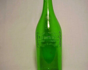 c1932 NEHI Bottling Co. Albany Schenectady, N.Y. , 30 ounce Crown Top Emerald Green Glass Royal Crown Cola Soda Bottle