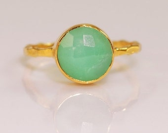 SALE - Mint Green Chrysoprase Ring Gold - Solitaire Ring - Gemstone Ring - Stacking Ring - Gold Ring - Round Ring