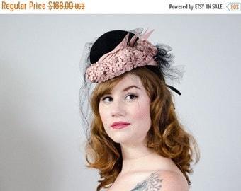 25% OFF SALE / 1930s vintage hat / black crepe and pink wool veiled tilt hat / Germaine Montabert