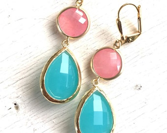 Coral Pink and Turquoise Stone Dangle Earrings in Gold.  Bridesmaid Jewelry. Drop Dangle Earrings. Bridal Party Gift. Wedding Jewelry.